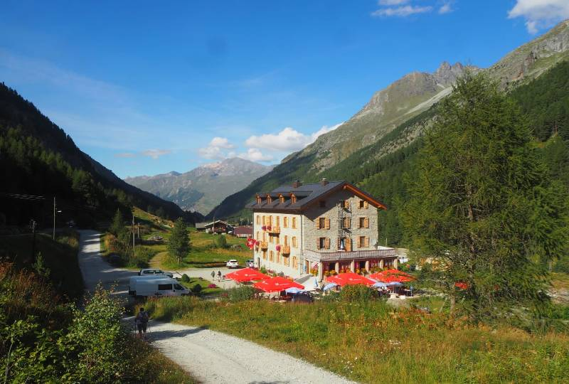 Summer package -  Guided hiking - 1 night mountain hut + 2 nights hotel